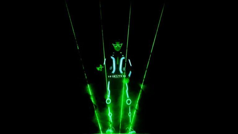 laser man show