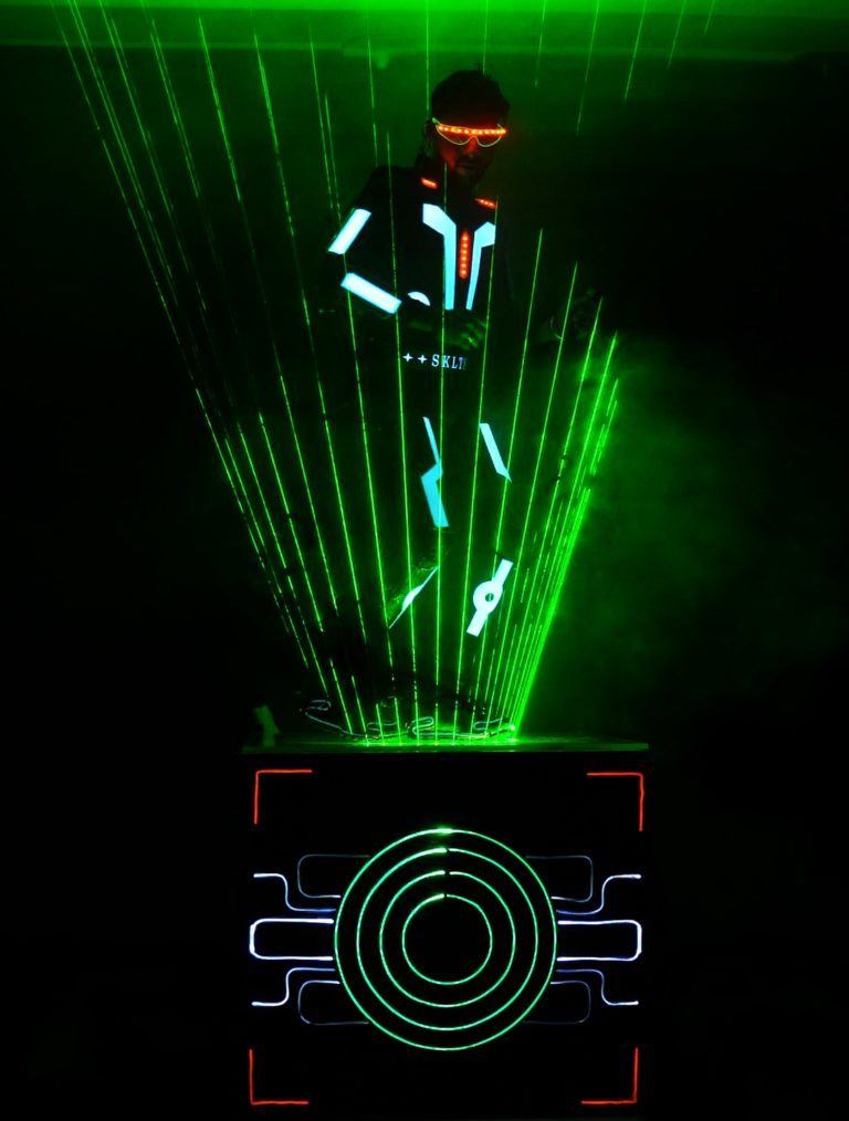 Laser man Show for Omantel