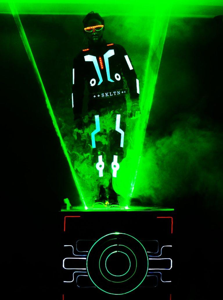 Laser man Show for Omantel